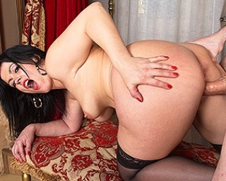 British mom Montse fucking and sucking in POV style
